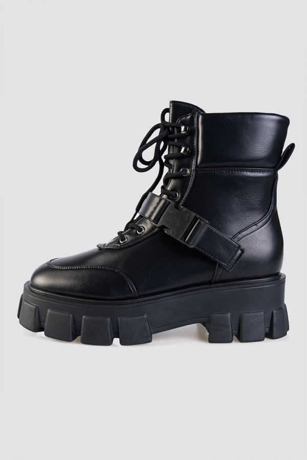 Boots - Connor
